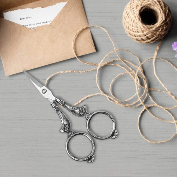 Sewing Scissors Set, European Vintage Sewing Tool Kit Embroidery Scissors and Case Alloy Awl Threader Thimble Needle Case Kit DIY Sewing Tools for Embroidery Cross Stitch Craft Accessories