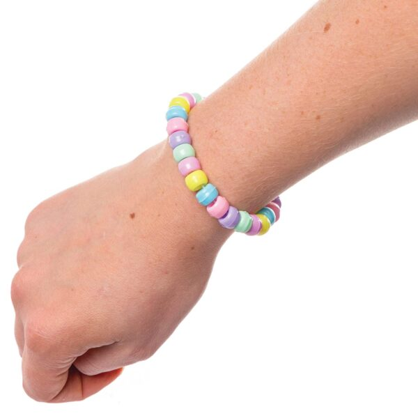 Baker Ross Pastel Beads Value Pack (Pack of 600) Perfect For Kids Jewellery, Keychain and Bag Dangler Making